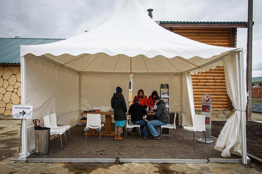 Модульный пол в шатре